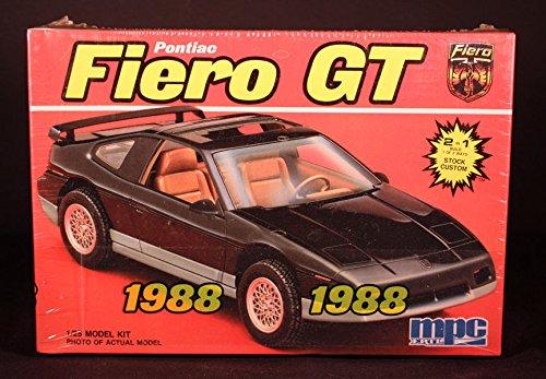 Mpc 6227 1988 Pontiac Fiero GR 2 'n 1 1/25 scale plastic model kit-Needs assembly